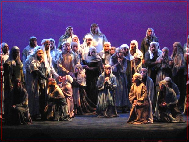 Nabucco - Teatro Avenida - Octubre 2004