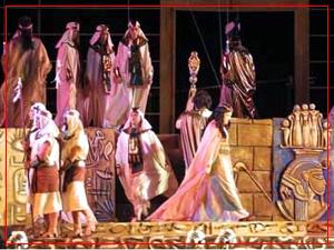 Aida - Fundamús - Paraná - Diario Uno - Noviembre 2004
