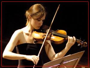 Mariana Atamás (violín)